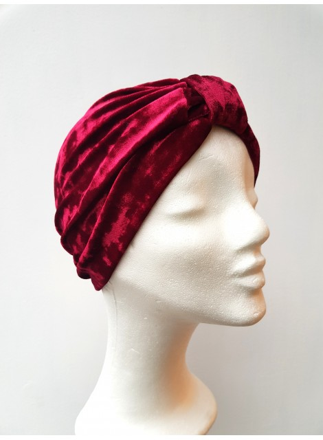 Turban i velour. Röd
