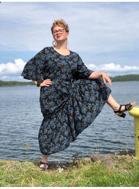 Volangklänning Blå ros. S-XXL