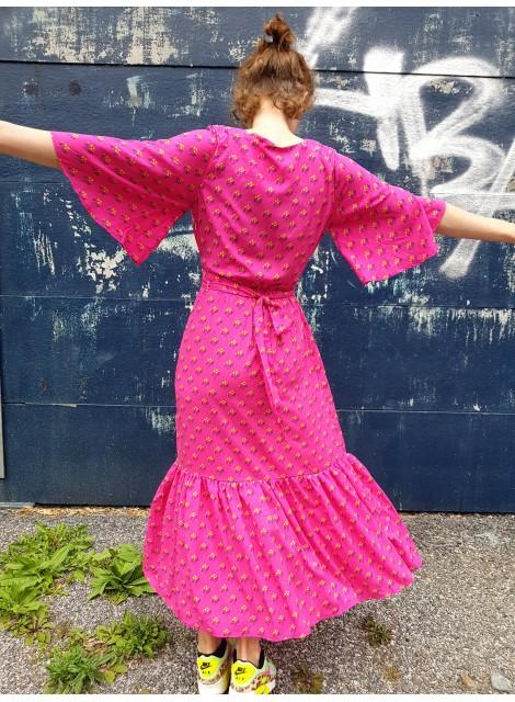 Rosa volangklänning