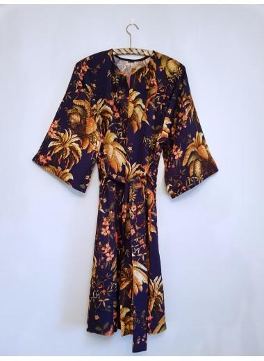 Kimono: mörkblå blommig