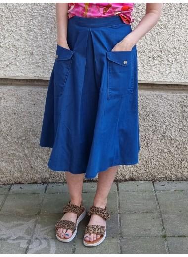 Jeansblå kjol med fickor