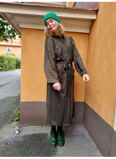 Diva: klänning Militärgrön+guld