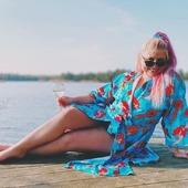 Nån mer som haft en sån där sommar-brygg-härlig dag idag? Tack @fitnessfeministen för bilderna på simmerske-kimonon! Saras badbilder var faktiskt en inspiration till tyget. 😊 Mönstret heter Kvinnor som vågar. Hoppas ni haft en skön dag i solen 🌞