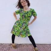 Grod-måndag! Mysig tygkvalitet i bomull/linne. Modell Tulpan vs modell Linnea.