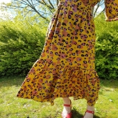 Idag har jag spontanöppet i butiken mellan 11-15. Kanske prova nya volangklänningen?