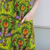 Fortsätter kontorspyjamas med stil: dagens erbjudande! 25% - bara idag - på feministleopardklänningen i det mäktiga tyget i samarbete med @art_by_s.barbrosdotter Skriv koden FEMINIST i kassan.